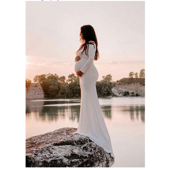 a3452ab5ba0b2 Elegant Maternity Gown. M_5bfed5ae534ef9813cb53adb